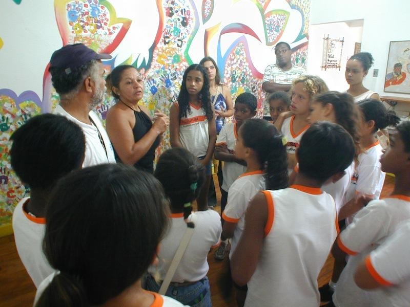 Acari students visit the Casa with 'Deley de Acari'